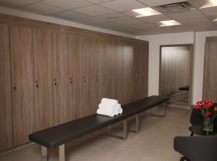 Wynn Fitness Meadowvale Men's Lockers